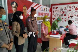 Puluhan Polisi Penyintas COVID-19 di Jember Donor Plasma Konvalesen