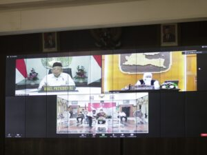 Bupati Jember Rapat Koordinasi Secara Virtual Dengan Wakil Presiden RI Mengenai Perkembangan Kasus Covid-19 Di Jawa Timur